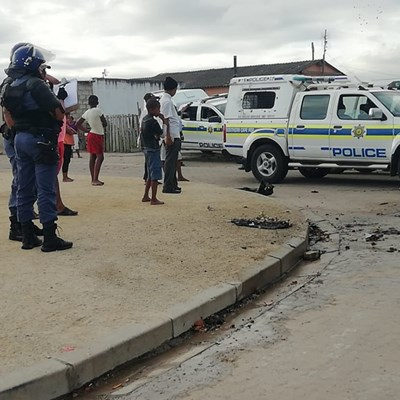 Tyres set alight in Pacaltsdorp