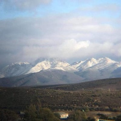 Cold front brings snow