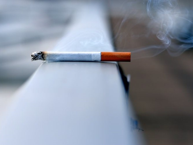 Ultimatum over tobacco sales