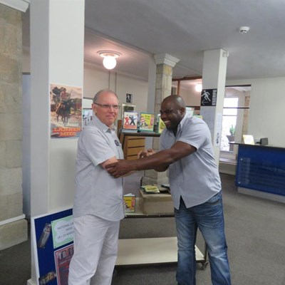 Books boost for Knysna town library