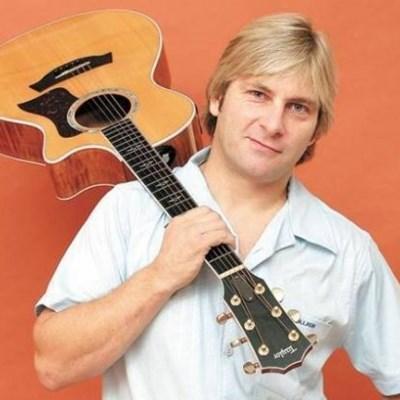 Afrikaans singer Jacques de Coning dies in horrific crash