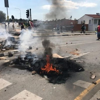 Alex residents fight for their illegal electricity connections