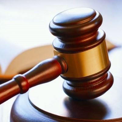 8 Verdagtes in hof vir moord