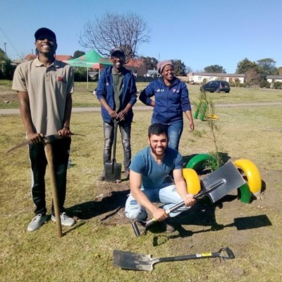 Officials plant trees during Arbour Week: 2-6 September