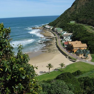 Teenager and dad rescued from surfline at Vic Bay