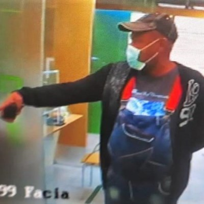 Bank card snatched at mall
