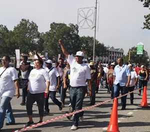 Update: Marchers at municipality