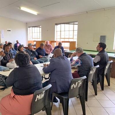 Officials snub Bitou housing meeting