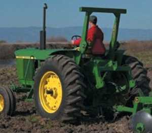Farming machinery sales stall in January