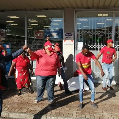 EFF on mall hopping spree in Garden Route