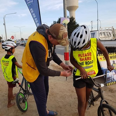 Hou veilige afstand van fietsryers