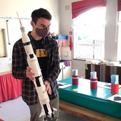 Marcus spog met eie ruimtetuig by George Preprimêr