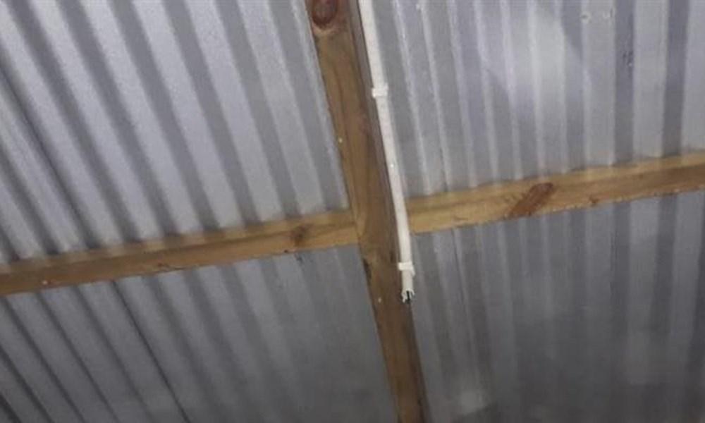 Joe Slovo kragstasie deur diewe gestroop