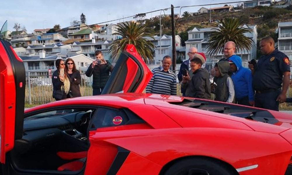 Lamborghinis take Mossel Bay by storm
