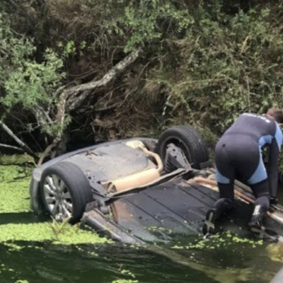 Body recovered from car in Hartbeespoort Dam.