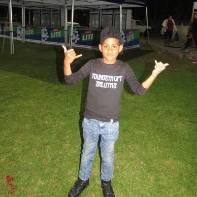 Young fan delighted after concert cancellation