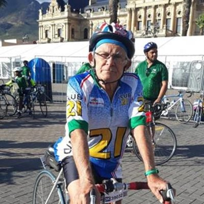 Roadie Roger completes 22nd Cape Town cycle tour