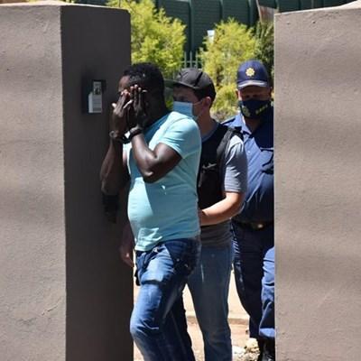 Polisie slaan toe op dwelmhuis