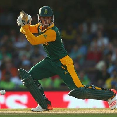 De Kock the star in Proteas' rain-hit win