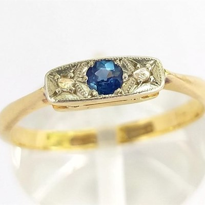 Visitor searches for stolen jewellery