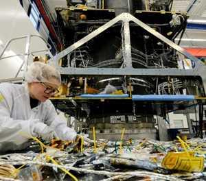Pocket-sized German satellite maker shoots for stars