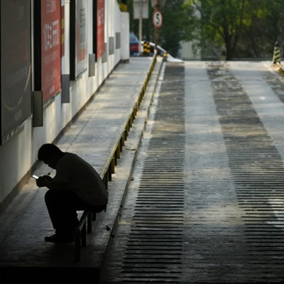 Lithuania bans phone use in streets