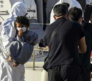 More than 700 saved from Mediterranean this weekend: aid group