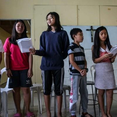 Grieving children's choir breaking Philippine drug war cycle