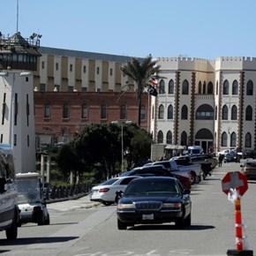Coronavirus: California to release 3,500 non-violent prison inmates