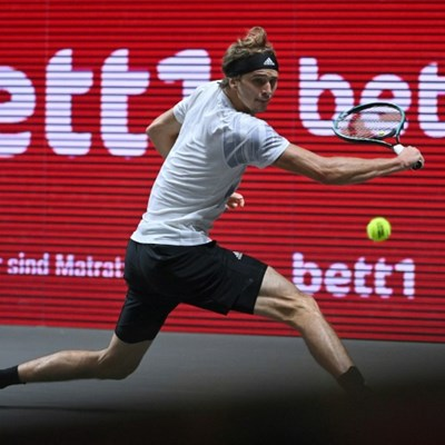 Zverev brushes off hip pain to set up Cologne title duel with Schwartzman