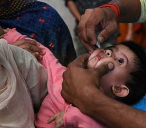 Pakistan says Facebook to help in fight against polio