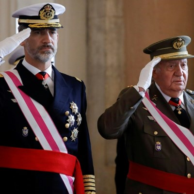 Spanish king distances himself from scandal-hit father