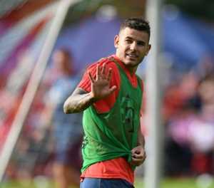 Record-signing Hernandez starts training at Bayern