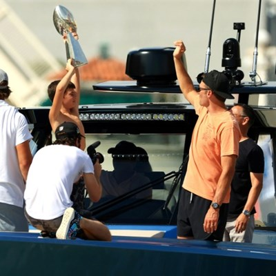 Brady to Gronk trophy toss tops NFL Bucs' boat parade party
