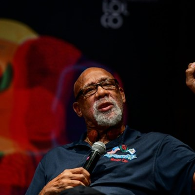 US athletes, Carlos call on IOC to end protest ban