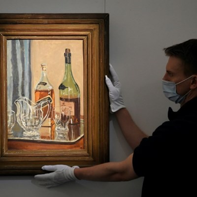 Churchill's painting of favourite whisky goes on sale