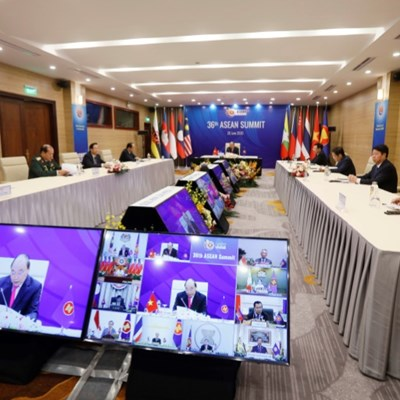 Vietnam PM warns of economic calamity at ASEAN summit