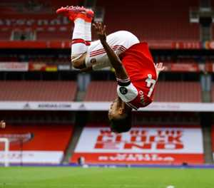 Aubameyang fires Arsenal revival as Leicester lose again