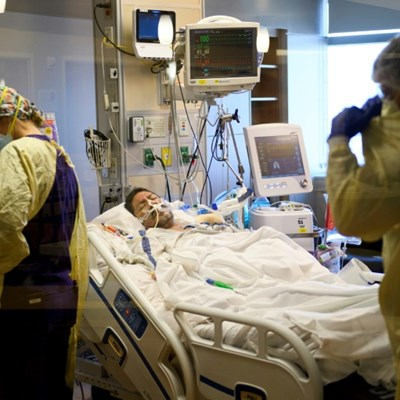 US sets 24-hour records with over 3,700 Covid deaths, 250,000 new cases
