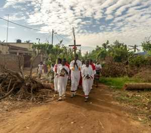 Mozambique town marks Palm Sunday amid cyclone ruins