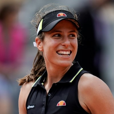 Konta playing better than ever, says King