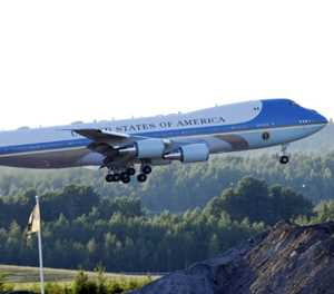 Trump plans to repaint Air Force One red, white and blue