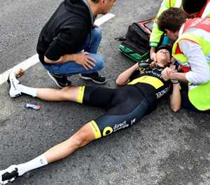 Defending champion Terpstra crashes out of Tour of Flanders
