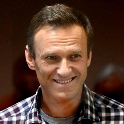 Kremlin critic Navalny begins serving time for parole violation
