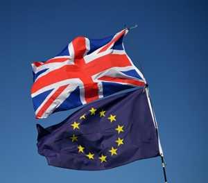 EU keeps hopes of Brexit deal alive, for now