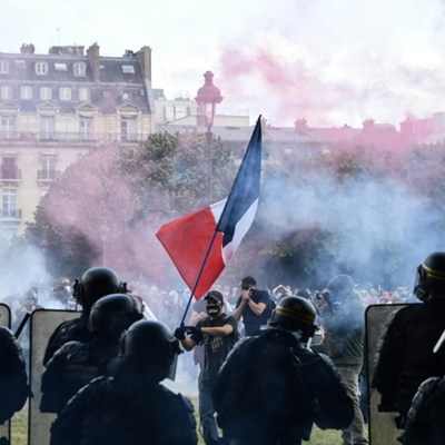 Police fire tear gas as thousands join French healthcare protest