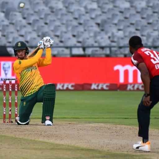 Van der Dussen, Du Plessis power South Africa with record stand