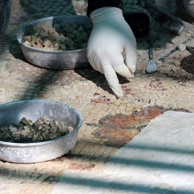 Ancient Jordan site restoration brings locals, refugees jobs