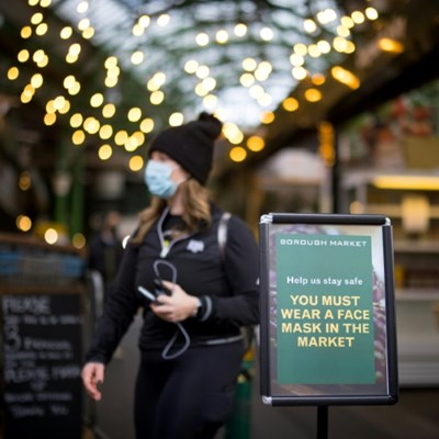 Calls for masks outside in UK as London market imposes rule