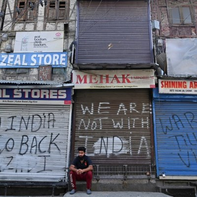 US presses India on Kashmir rights, seeks lower tensions